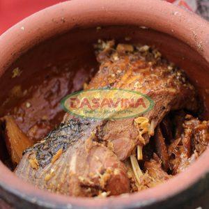 Cá kho Bá Kiến còn nguyên miếng, hương vị hấp dẫn