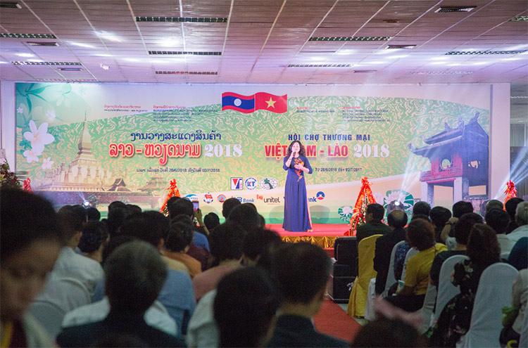 Hội chợ giao thương Việt Lào