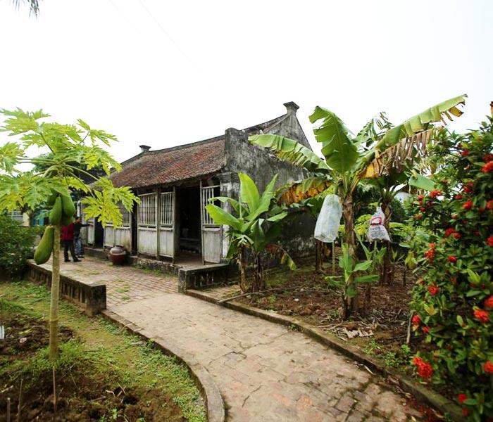 Ngôi nhà Bá Kiến cổ kính, đơn sơ
