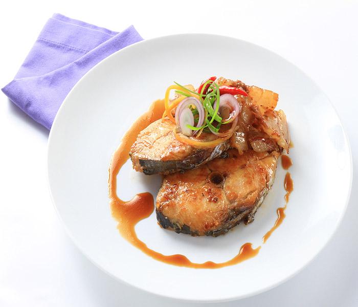 Cá thu kho hấp dẫn cho bữa ăn đậm vị