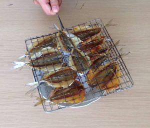 Nướng cá chỉ vàng bằng cồn là ngon nhất