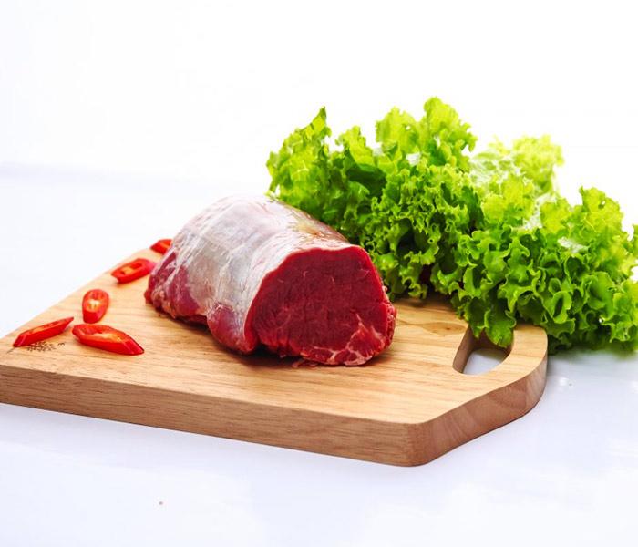 Chuẩn bị thịt bò tươi làm khô bò