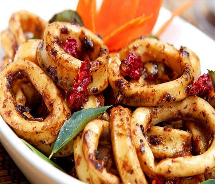 Ngũ vị hương đem lại cho món mực nướng một hương thơm hấp dẫn khó tả