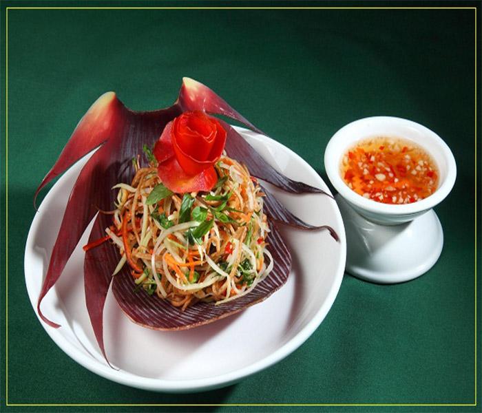 Nộm mực khô hoa chuối hương vị đặc biệt