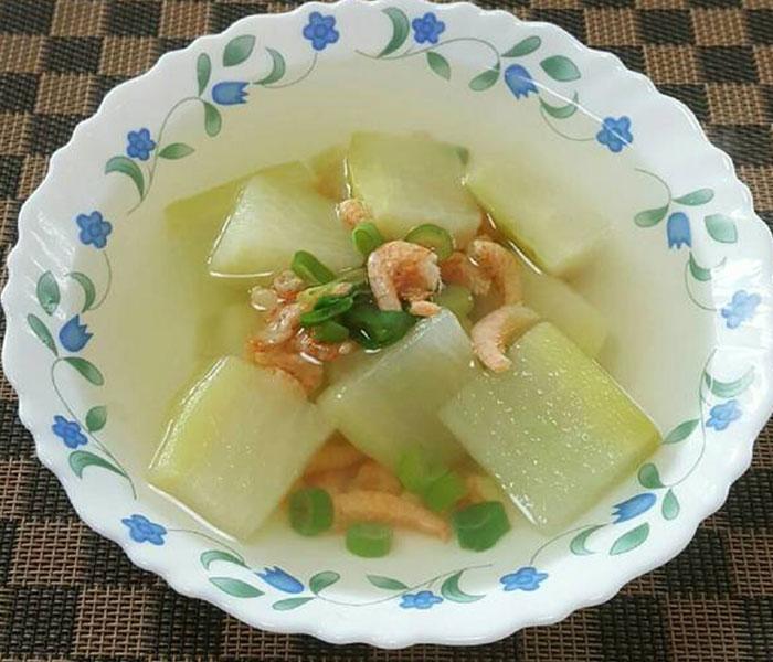 Canh tôm khô nấu củ cải