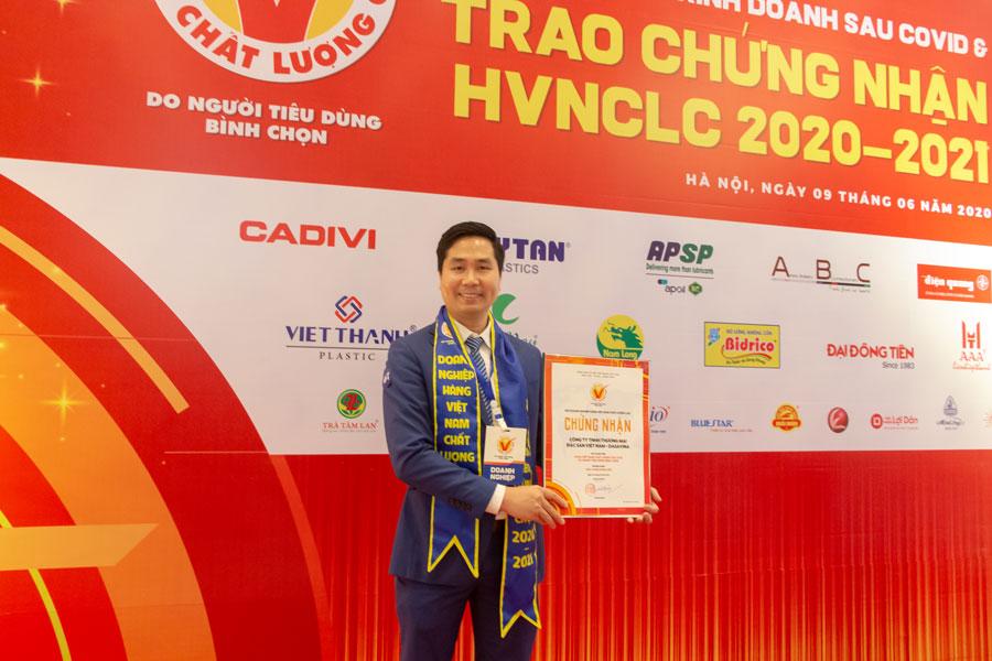 Giám đốc Nguyễn Bá Toàn chia sẻ, ông vô cùng vinh dự khi tiếp tục được nhận Chứng nhận HVNCLC 2020
