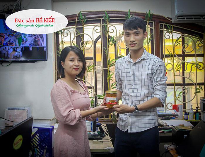 Giải khuyến khích cuộc thi thuộc về nhân viên Nguyễn Đình Quý với 300g ruốc tôm trị giá 190.000 đồng