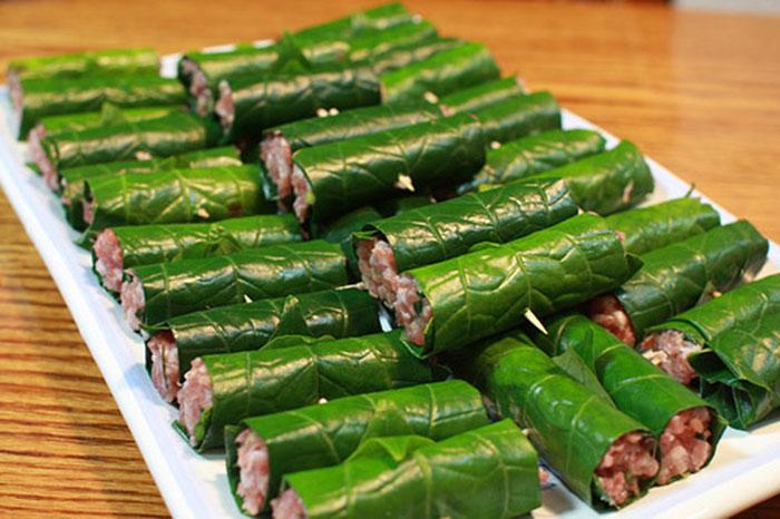 Rươi cuốn lá lốt - món ăn hấp dẫn thơm ngon