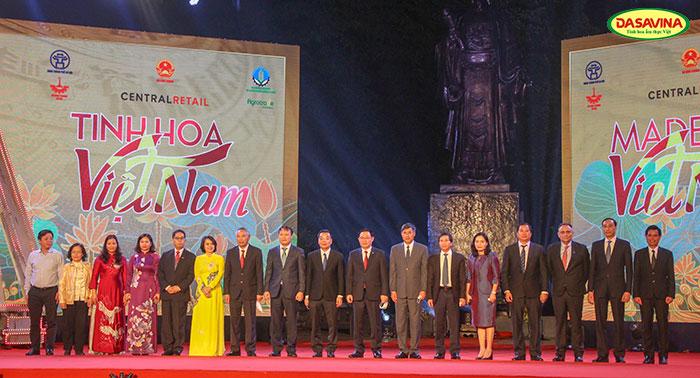 Đại biểu tham dự hội chợ made in Việt Nam