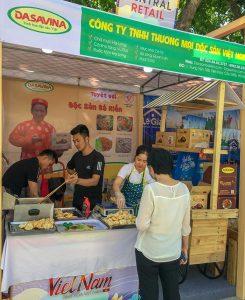 Gian hàng Đặc sản Bá Kiến tại hội chợ