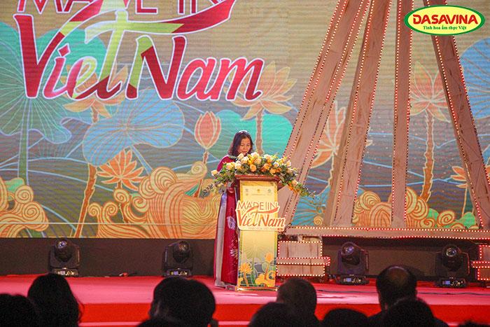 Bà Trần Thị Phương Lan - Phó Giám đốc sở Công Thương TP. Hà Nội phát biểu tại buổi khai mạc