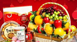Giỏ hoa quả Tết - xu hướng quà Tết mới của người Việt