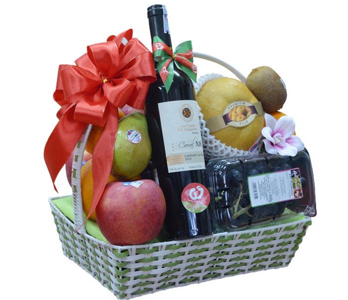 Giỏ hoa quả Tết đa dạng về mẫu mã và các loại quả