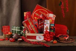 Giỏ quà Tết Vinmart sang trọng, thích hợp làm quà biếu tặng