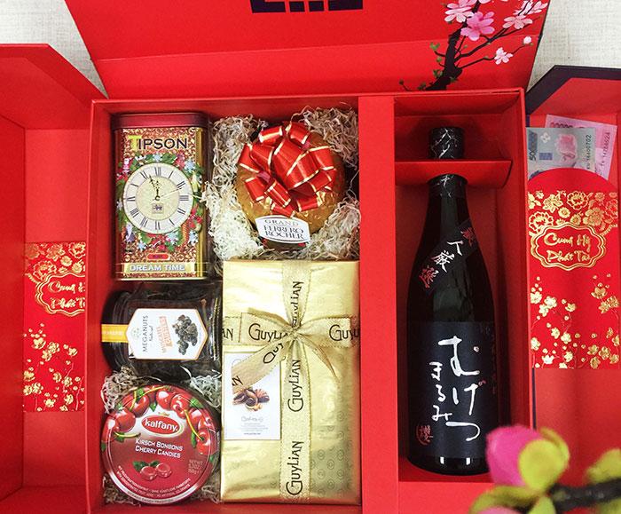 Gói quà Tết bằng hộp