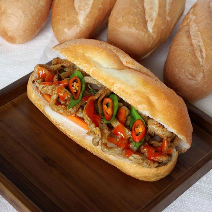Bánh mì chả cá - món ăn đơn giản nhưng được nhiều người yêu thích