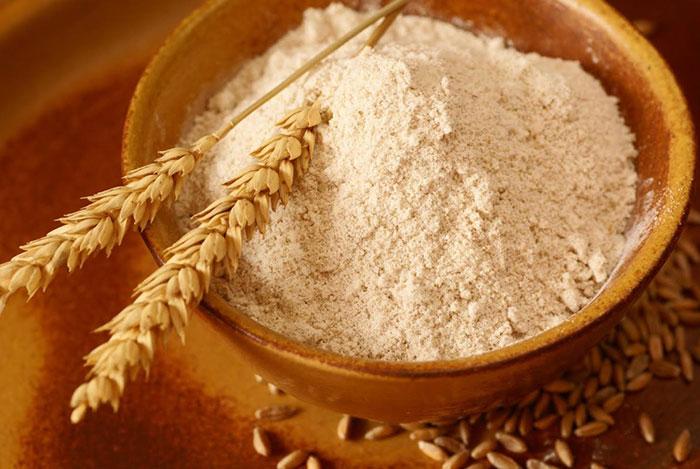 Bột mì - nguyên liệu giúp món chả thêm dai giòn