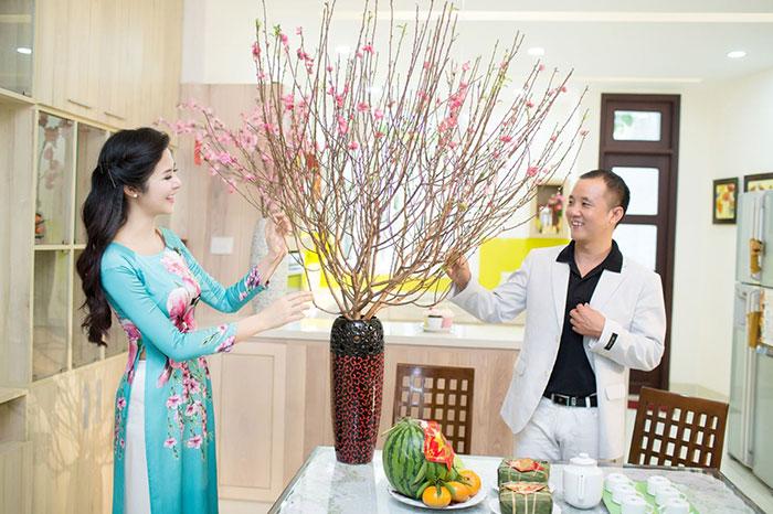 Các loài hoa, cây cảnh ngày Tết cũng là một món quà truyền thống được nhiều người lựa chọn