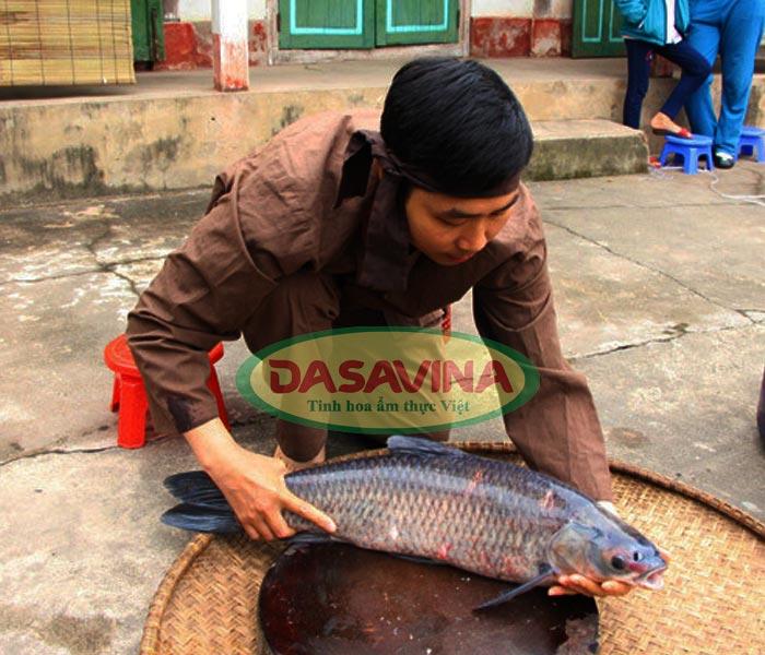 Cá trắm tươi - nguyên liệu cho món chả cá thơm ngon