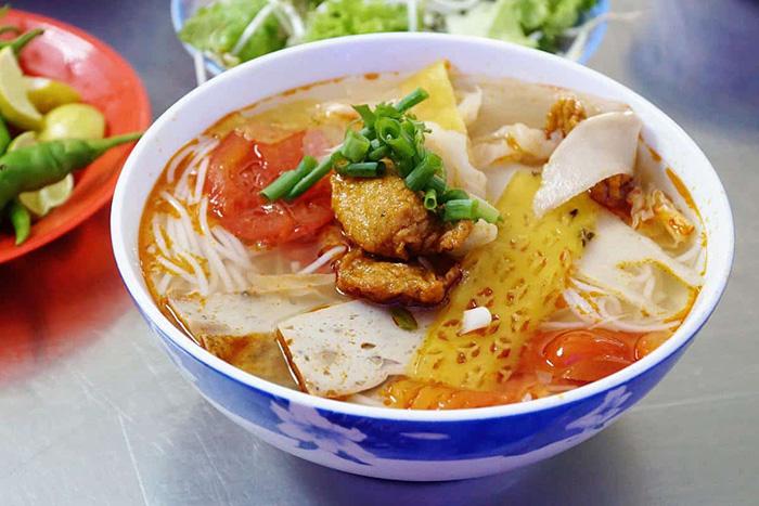 Bún chả cá Đà Nẵng - món ngon mà du khách nên thử khi du lịch Đà Nẵng
