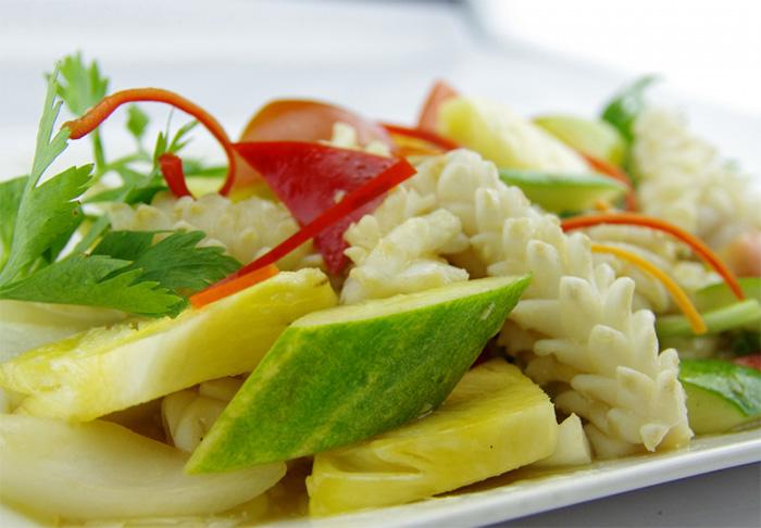 Mực xào dưa leo là món ăn thanh mát, giải nhiệt cho những ngày nắng nóng